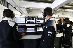 L'ambiance dans le garage McLaren