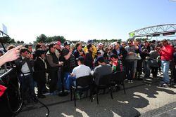 #43 RGR Sport by Morand, Ligier JSP2 - Nissan: Ricardo Gonzalez, Filipe Albuquerque, Bruno Senna, sc