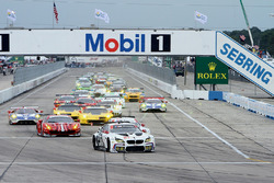 GTLM start: #25 BMW Team RLL BMW M6 GTLM: Bruno Spengler, Bill Auberlen, Dirk Werner leads