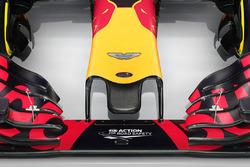 Nez de la Red Bull RB12 avec le logo Aston Martin