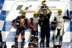 Podio. il vincitore Niccolò Antonelli, Ongetta-Rivacold, Honda; secondo Brad Binder, Red Bull KTM Aj