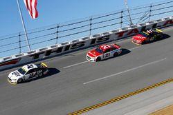 Brad Keselowski, Team Penske Ford, Ryan Blaney, Wood Brothers Racing Ford, Kurt Busch, Stewart-Haas Racing Chevrolet