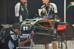 Mechanics working on the Sahara Force India F1 VJM09