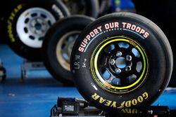 Support Our Troops special Goodyear ban-ban