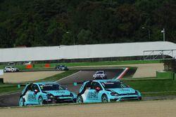 Stefano Comini, Leopard Racing, Volkswagen Golf GTI TCR and Jean-Karl Vernay, Leopard Racing, Volkswagen Golf GTI TCR
