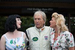 Derek Bell en twee dames