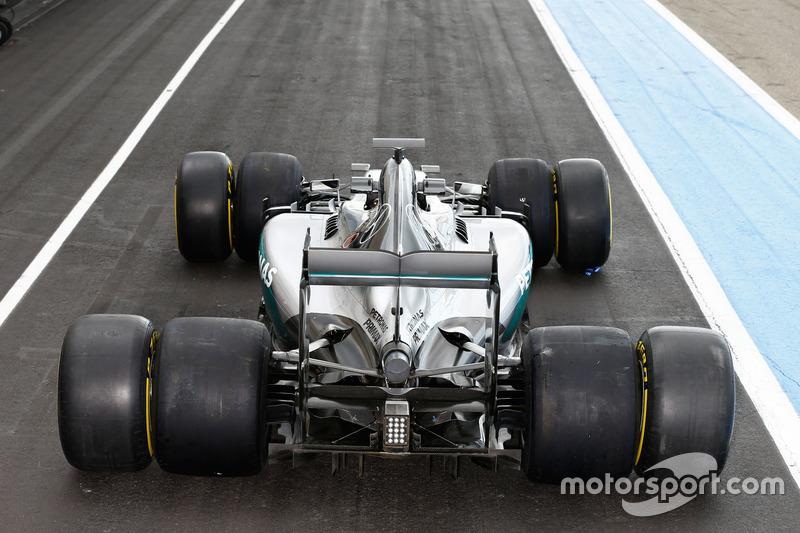 5. Mercedes AMG F1 W06 Hybrid con neumáticos Pirelli 2016 y 2017