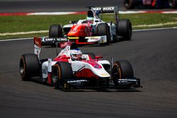 Sergey Sirotkin, ART Grand Prix devance Oliver Rowland, MP Motorsport