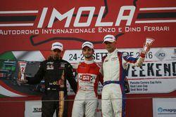Podio TCR Gara 1: il secondo classificato Petr Fulin, il vincitore Alberto Viberti, BRC racing Team,