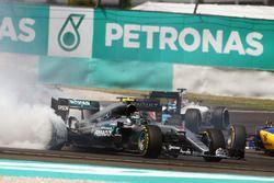 Nico Rosberg, Mercedes AMG F1, W07 Hybrid, nach der Kollision