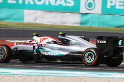 Nico Rosberg, Mercedes AMG F1, W07 Hybrid, und Kimi Räikkönen, Ferrari, SF16-H