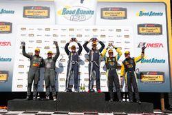 Podyum: 1. #15 Multimatic Motorsports Ford Shelby GT350R-C: Scott Maxwell, Billy Johnson, 2. #33 CJ
