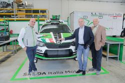 Michal Hrabánek, SKODA Motorsport Team Chief, Pavel Hortek, SKODA Motorsport Team Manager e Riccardo Scandola, SKODA Italia Motorsport Team Principal