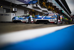 #67 Ford Chip Ganassi Racing Team UK, Ford GT: Andy Priaulx, Harry Tincknell; #66 Ford Chip Ganassi