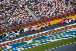 Joey Logano, Ford, Kyle Larson, Chip Ganassi Racing Chevrolet, Elliott Sadler, JR Motorsports Chevro