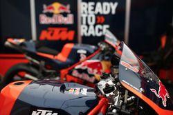 La KTM RC16