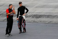 Crewchief Chris Gabehart mit Erik Jones, Joe Gibbs Racing, Toyota
