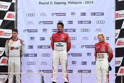 Podio: vincitore Alex Yoong, Audi TEDA Racing Team, secondo posto Edoardo Mortara, Audi Hong Kong, t