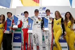 Подиум: победитель - Максимилиан Гюнтер, Prema Powerteam Dallara F312 – Mercedes-Benz; второе место
