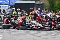 Sébastien Bourdais, KV Racing Technology Chevrolet, dans les stands