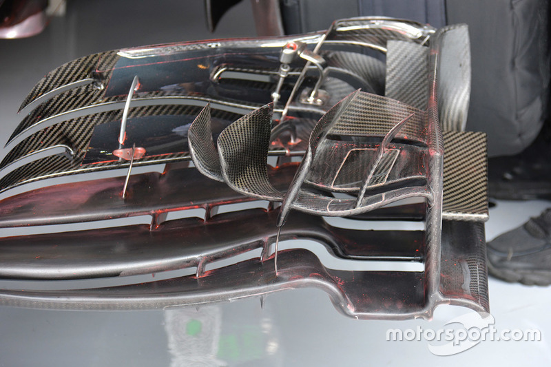 تفاصيل الجناح الأمامي لسيارة فرناندو ألونسو، مكلارين هوندا