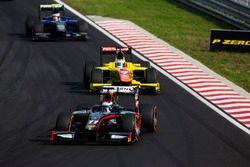 Gustav Malja, Rapax leads Mitch Evans, Pertamina Campos Racing
