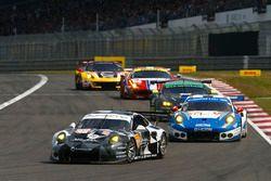 #88 Proton Racing Porsche 911 RSR: Khaled Al Qubaisi, David Heinemeier Hansson, Patrick Long, #78 KC