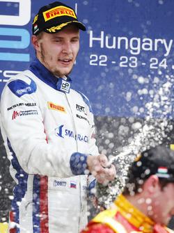 Sergey Sirotkin, ART Grand Prix fête sur le podium