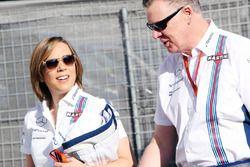 Claire Williams, Subdirector de equipo Williams con Mike o ' Driscoll, Williams CEO grupo