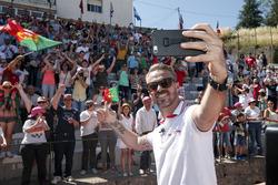 Tiago Monteiro, Honda Racing Team JAS, Honda Civic WTCC with fans