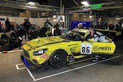 Pit stop #86 AMG-Team HTP Motorsport, Mercedes-AMG GT3: Maximilian Götz, Thomas Jäger, Gary Paffett