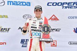 Race winner Santiago Urrutia, Schmidt Peterson Motorsports