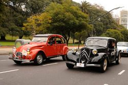 Citroën 2CV and Citroën Traction Avant in Buenos Aires