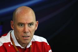 Jock Clear, Ferrari Engineering Director in de persconferentie