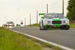#23 Team Parker Racing, Bentley Continental GT3: Tom Onslow-Cole, Ian Loggie, Callum Macleod, Andy Meyrick