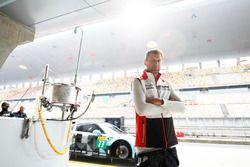 #77 Dempsey Proton Competition Porsche 911 RSR: Michael Christensen