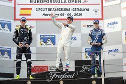 Podio: ganador de la carrera Dorian Boccolacci, Teo Martin Motorsport; segundo lugar Ferdinand Habsb