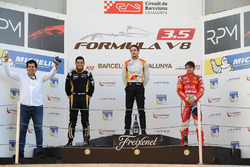 Podium: Race winner and Champion Tom Dillmann, AVF; second place Roy Nissany, Lotus; third place Pietro Fittipaldi, Fortec Motorsports with Adrian, AVF
