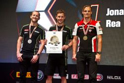Campeón del Mundo, Jonathan Rea, Kawasaki Racing con Tom Sykes, Kawasaki Racing y Chaz Davies, Ducat
