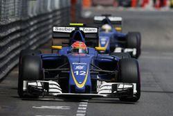 Felipe Nasr, Sauber C35, devant son coéquipier Marcus Ericsson, Sauber C35
