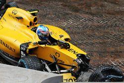 Jolyon Palmer, Renault Sport F1 Team RS16 contraint à l'abandon après un accident