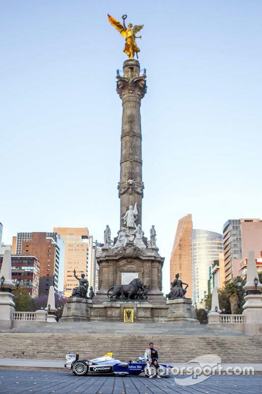 Salvador Durán, Team Aguri en el Ángel de la Independencia en la Ciudad de México