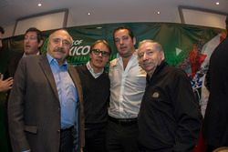 (L nach R) José Abed Vizepräsident FIA Méxiko; Adrian Férnandez; Ricardo Gonzalez, RGR Sport und Jea