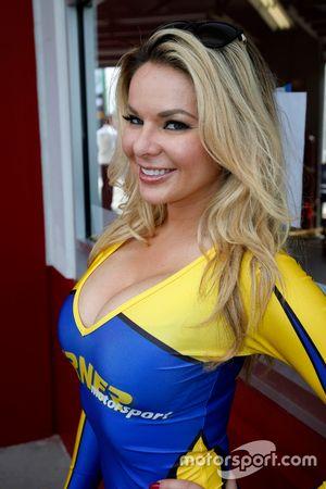 Hermosa chica del Turner Motorsport