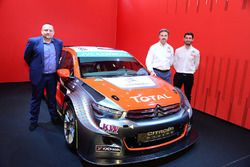 Yvan Muller, Jose Maria Lopez and Yves Matton with the Citroën C-Elysee WTCC, Citroën World Touring Car team 2016 livery