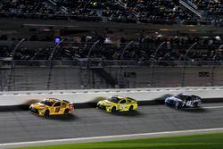 Kyle Busch, Joe Gibbs Racing Toyota; Matt Kenseth, Joe Gibbs Racing Toyota; Jimmie Johnson, Hendrick Motorsports Chevrolet