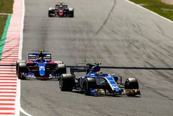 Pascal Wehrlein, Sauber C36; Carlos Sainz Jr., Scuderia Toro Rosso STR12; Kevin Magnussen, Haas F1 T