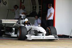 Patrick Friesacher y Belinda Whiteside en la Experiencia de F1.