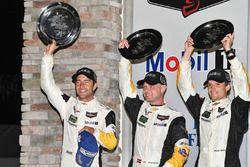 Podium GTLM : les vainqueurs Antonio Garcia, Jan Magnussen, Mike Rockenfeller, Corvette Racing