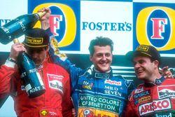 Podium : le vainqueur Michael Schumacher, le second Gerhard Berger, le troisième Rubens Barrichello
